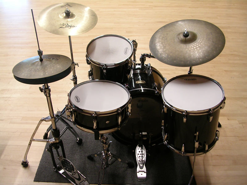 Pictured Pearl Big Band Drum Kit