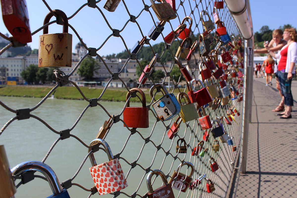 2015 Chamber Choir Tour photo Makartsteg Bridge in Salzburg