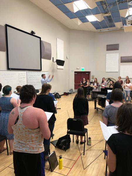 Students rehearsing in the University Chorus