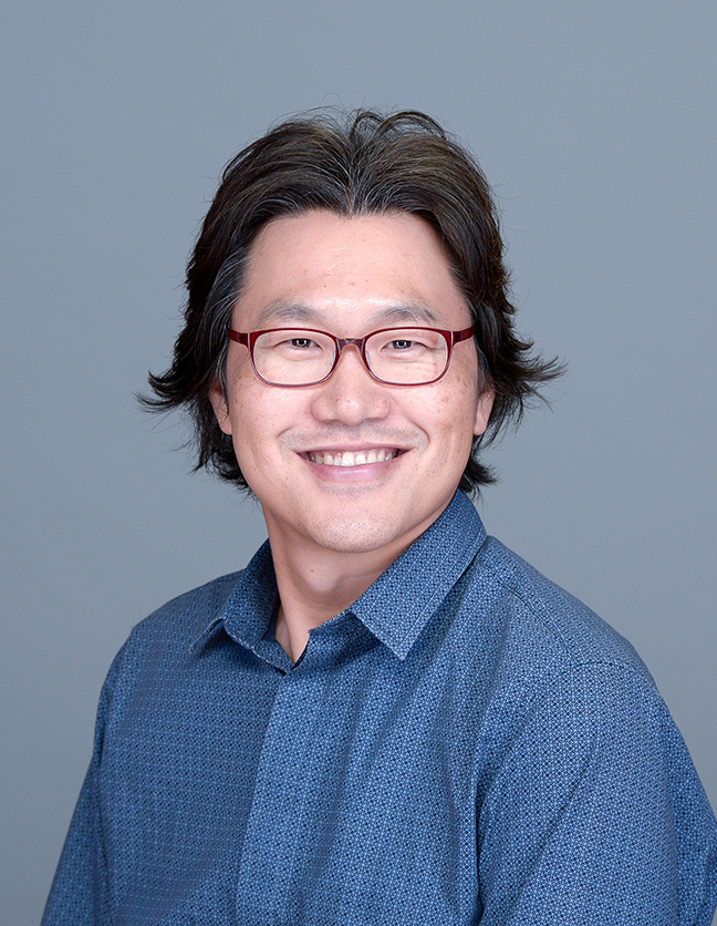 Jung Woo Kim headshot